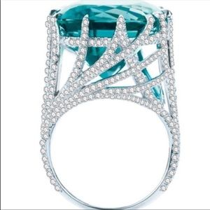 Stunning cocktail ring SIZE 6 nwt